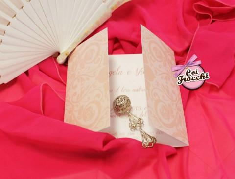 partecipazione di nozze in carta perlata-damascato Coi Fiocchi