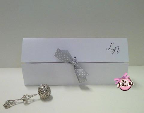 partecipazioni-di-matrimonio-in-carta-perlata-coi-fiocchi-wedding-design