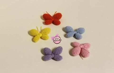 farfalle-realizzate-con-la-tecnica-amigurumi-coi-fiocchi