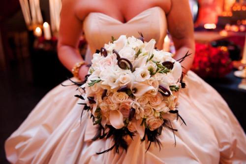 matrimonio-a-tema-halloween-benvenuti-nel-castello-di-dracula-bouquet-sposa