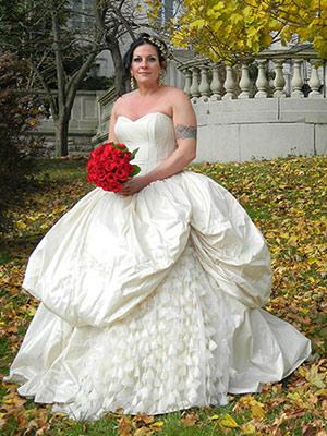 matrimonio-a-tema-halloween-benvenuti-nel-castello-di-dracula-abito-da-sposa