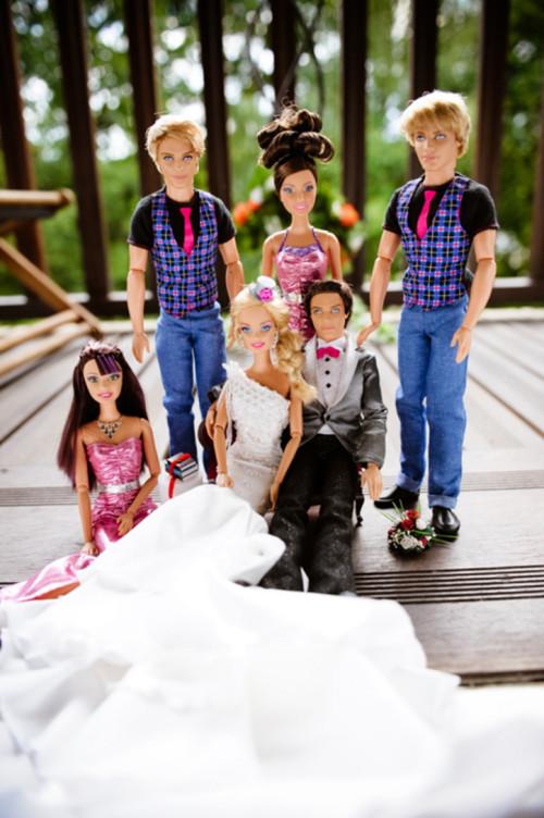 Siete invitati al matrimonio di Barbie e Ken _gruppo