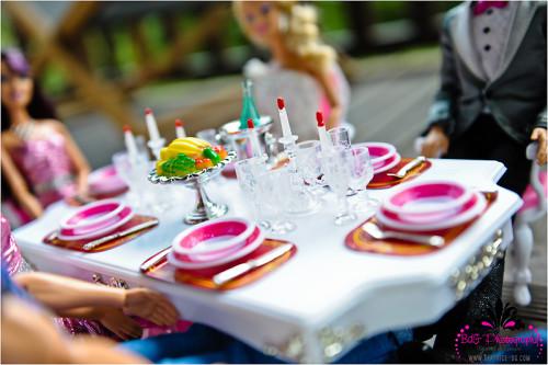 Siete invitati al matrimonio di Barbie e Ken _banchetto