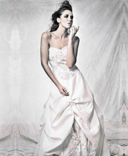 matrimonio-green-nozze-ecologiche-e-solidali-abito-da-sposa-in-tessuto-biodegradabile