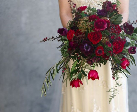 alternative tag_idee per matrimonio natalizio_bouquet rosso