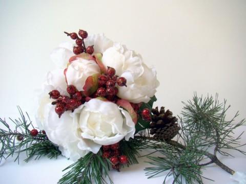 alternative tag_idee per matrimonio natalizio_rose e bacche