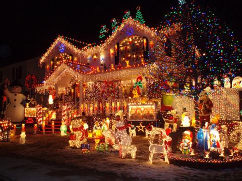 tante-belle-idee-per-il-tuo-matrimonio-natalizio-addobbi-kitsch