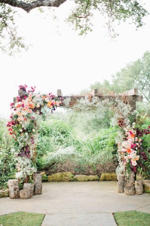 Tante belle idee con il legno per il tuo matrimonio rustico_arco nuziale