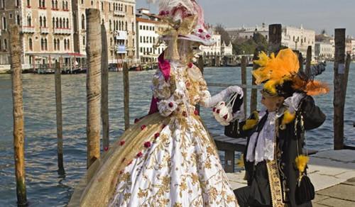 Matrimonio a tema Carnevale di Venezia-sposa