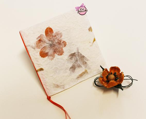 Creazioni fatte a mano: inviti e partecipazioni in carta naturale-carta lokta arancione