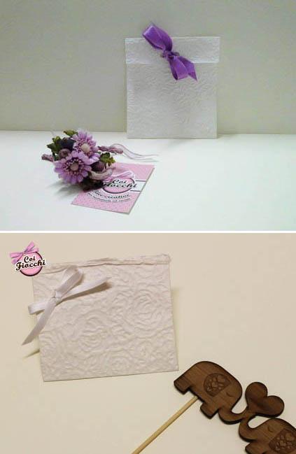 partecipazioni in carta naturale-carta naturale di riso con texture a rose e fiocchetto di raso