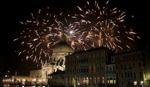 Matrimonio a tema Carnevale di Venezia-fuochi d'artificio
