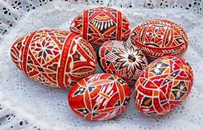 L'arte di decorare le uova di Pasqua nell'Est Europa-Pysanka-mercatino pasqua-praga
