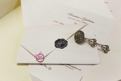 Partecipazioni di nozze con le iniziali degli sposi-foglio unico-sigillo
