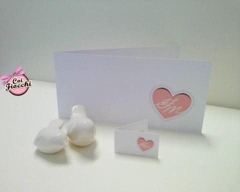 partecipazioni-di-nozze-con-iniziali-degli-sposi-cuore