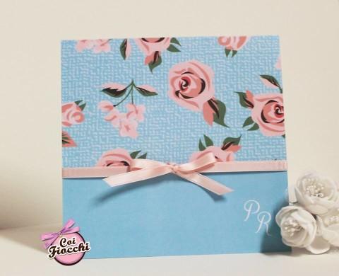 Scegliere la carta giusta per la partecipazione di nozze_carta liscia_rose e azzurro