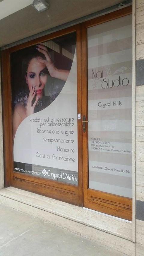 grafica pubblicitaria coi fiocchi-vetrofanie-NailStudio CrystalNails Moladibari