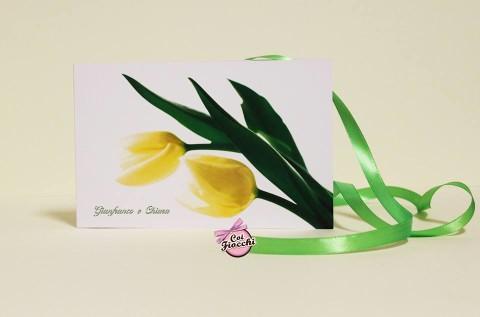Scegliere la carta giusta per la partecipazione di nozze_carta liscia_tulipani