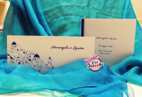 Partecipazione di nozze a tema viaggio_tema Santorini_coordinato nozze_coi fiocchi weddin