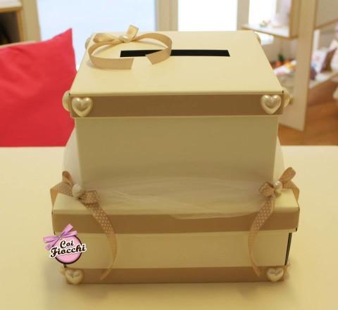 scatola portabuste a fdue piani con nastro-pois-tortora-e-cuori