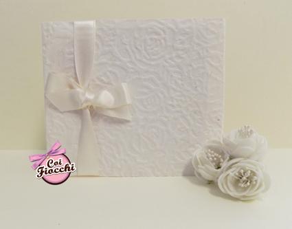 partecipazione nozze elegante in stile total white_coi fiocchi