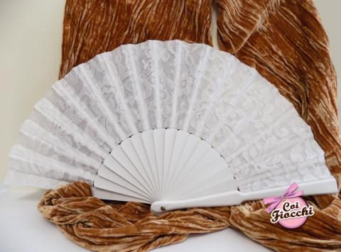 Ventaglio nozze in legno bianco e pizzo per la sposa