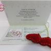 Una partecipazione di nozze in formato passaporto con caricatura manga