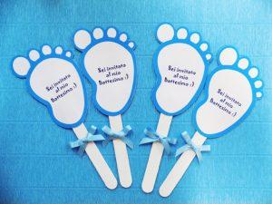 Inviti di battesimo a forma di piedini
