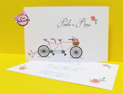 Partecipazioni di matrimonio boho chic-tandem-e-fiori-coi fiocchi