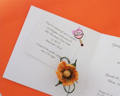 partecipazione per-il-matrimonio-shabby-chic-semplice-interno con tag invito legato alliinterno