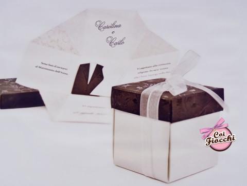 invito nozze in scatola con coperchio damascato color tabacco