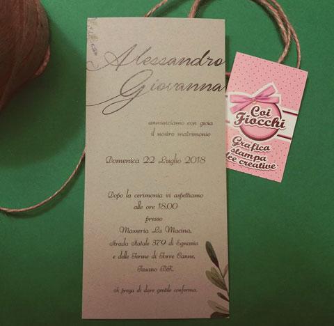 partecipazioni-di-matrimonio-ecologiche-in-carta-riciclata e rametti di ulivo.