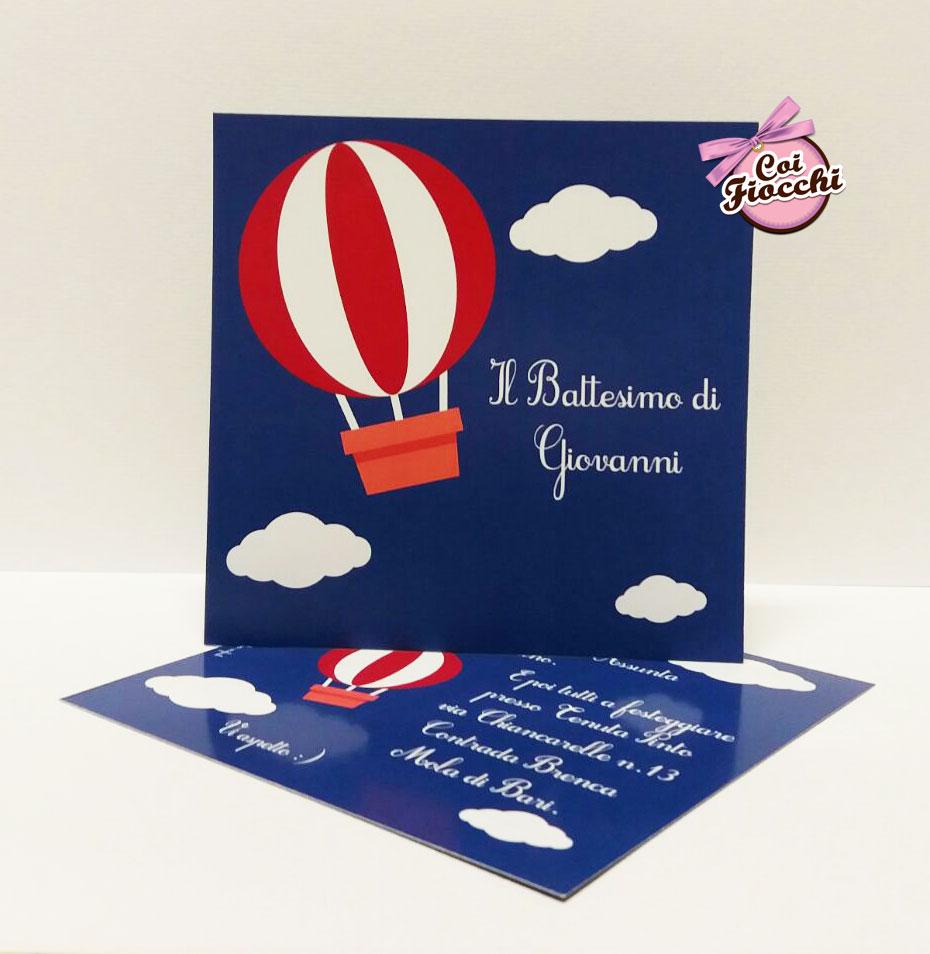 inviti-di-battesimo-personalizzati-per-bimbo-mongolfiera-e-nuvolette-coi-fiocchi-wedding-design