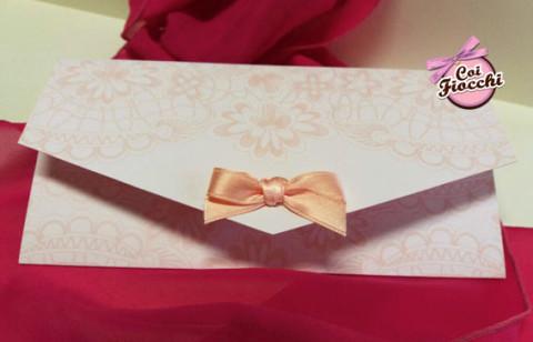 partecipazioni-di-nozze-color-rosa-pesco-chiusura-a-busta