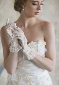 gli-accessori-della-sposa-tra-tradizione-e-modernita-i-parte-guanti