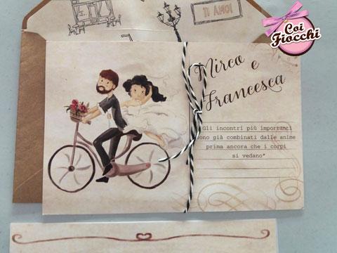 partecipazione-nozze-sposini-in-bicicletta stile vintage