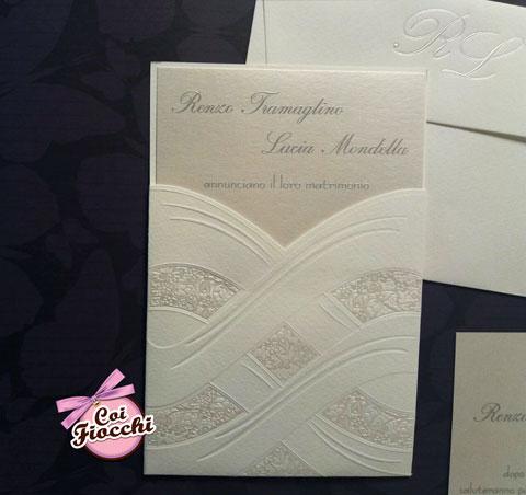 partecipazione-nozze-total-white-carta-perlata-elegante