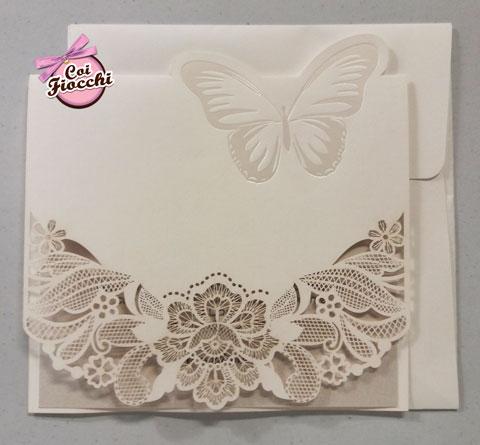 partecipazione-nozze effetto pizzo intagliato a laser con farfalla