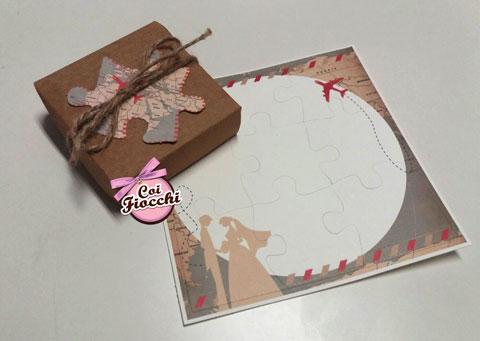 Partecipazione nozze a tema viaggio formato puzzle in scatola.