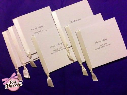 libretti-messa-matrimonio-classici-bianchi con nastri di raso bianchi laterali