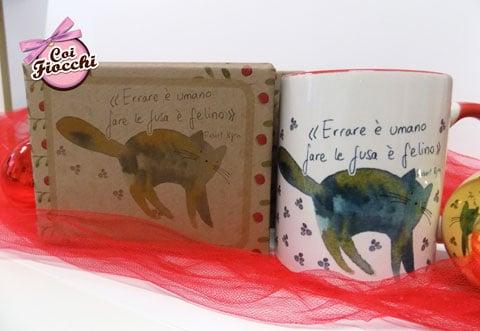 idee regalo a tema gatti-tazza mug con gatto illustrato e citazione