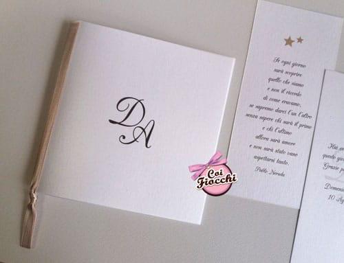 Libretto messa nozze semplice, con le iniziali degli sposi e il raso color cappuccino