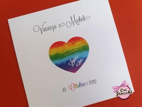 invito-unione-civile- elegante con cuore-arcobaleno centrale e il testo love-is-love