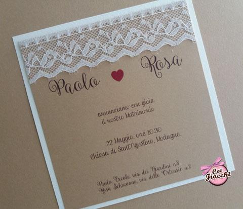 Partecipazione di matrimonio rustica in carta kraft e vero pizzo