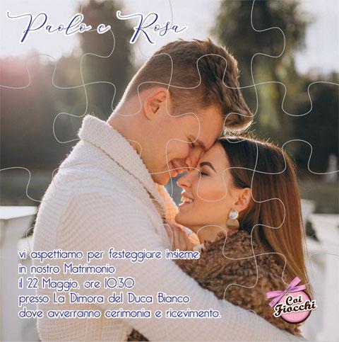 Partecipazione di matrimonio puzzle con foto degli sposi.