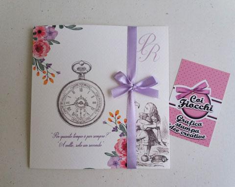 Partecipazione nozze ispirata ad ALice nel Paese delle meraviglie con grafica vintage
