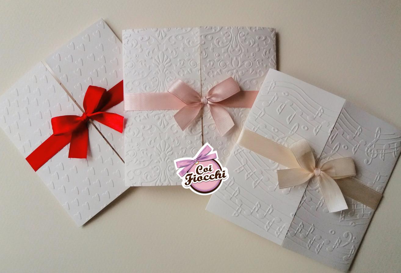 scegliere la carta giusta per la partecipazione di nozze eleganti in carta marcata