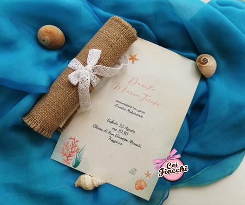 Invito matrimonio a tema mare a foglio unico in Juta legato da merletto.