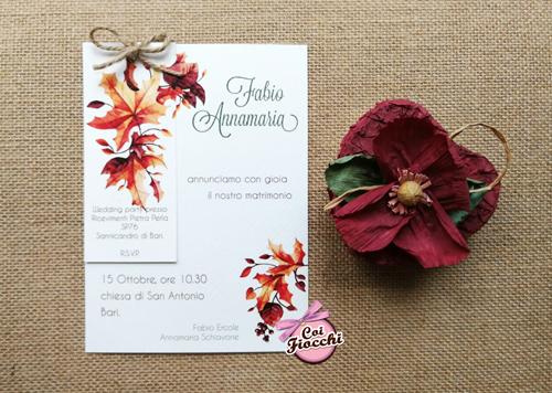 Partecipazione di matrimonio con annuncio con foglie d'Autunno