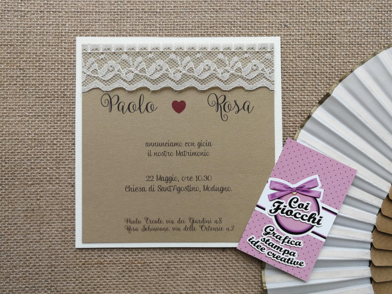 Partecipazione matrimonio shabby chic in carta kraft con pizzo.